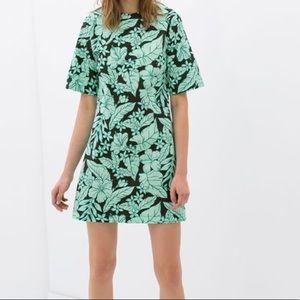 Zara beautiful Flower Print Dress multiple sizes
